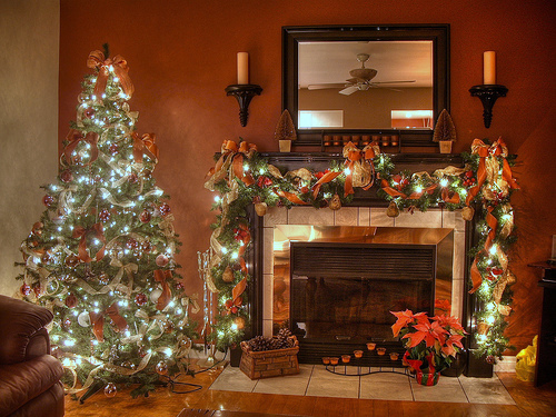 Holiday-Fireplace-Decoration | Architecture & Interior Design