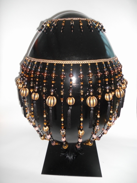 Faberge London spina-egg