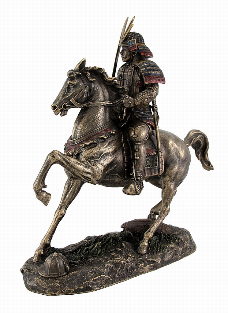 The noblesse oblige – horse statues