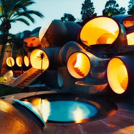 9 Pierre Cardin bubble house