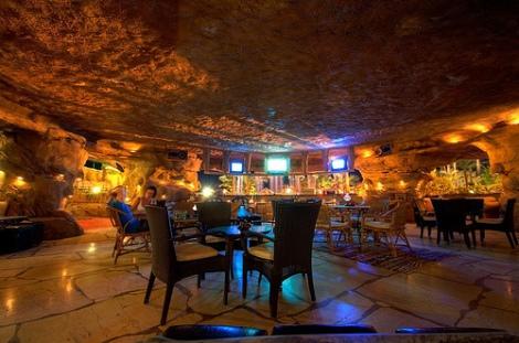 Cave bar2