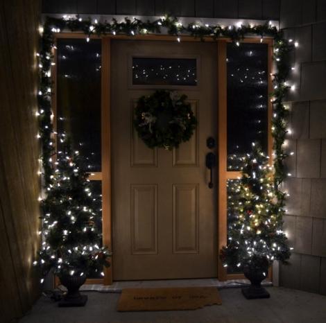 christmas-front-door-decor3